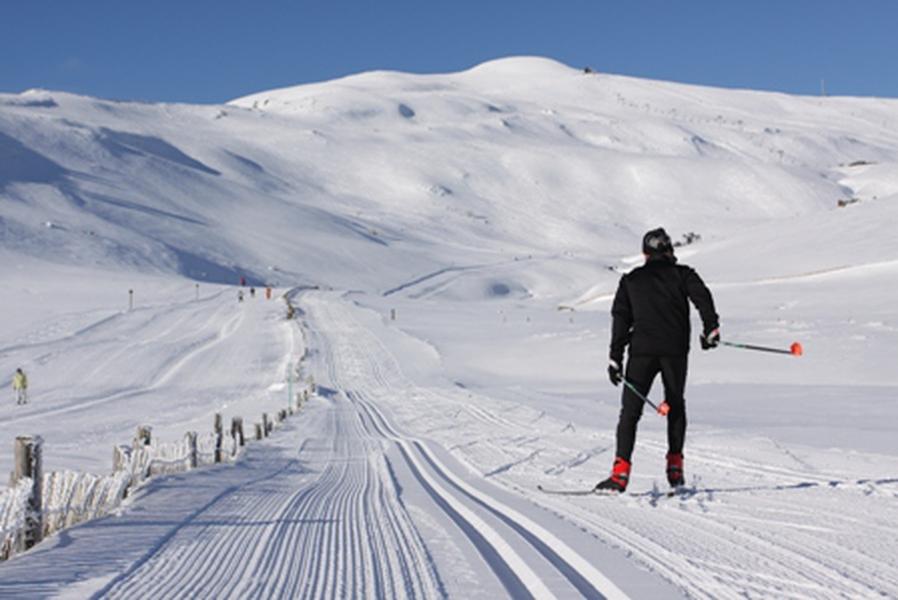s jour ski le lioran super lioran comparateur ski pas cher. Black Bedroom Furniture Sets. Home Design Ideas