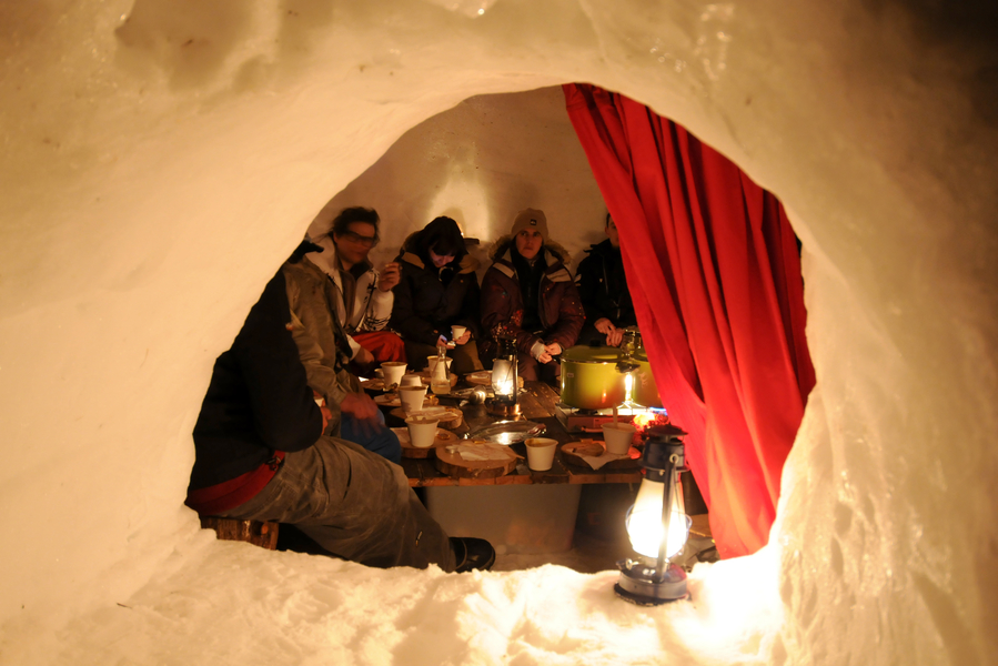 Location la plagne comparateur ski pas cher for Interieur igloo