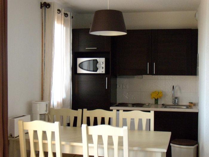 r sidence ond ale super besse s jour pas cher. Black Bedroom Furniture Sets. Home Design Ideas
